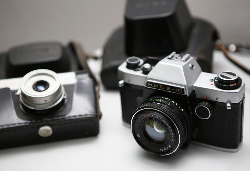 Продать старый фотоаппарат, объектив в Красноярске ...: http://mihanev.ru/news/prodat-staryi-fotoapparat.html